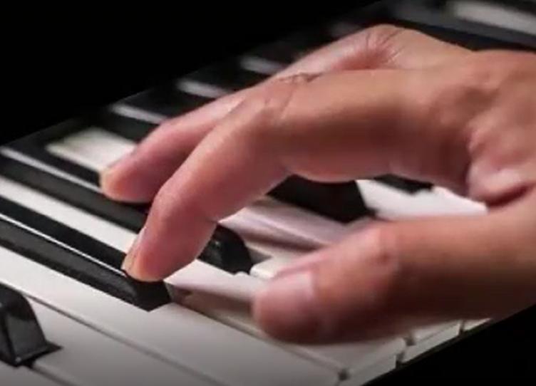 Klavier lernen im Musik-Verstehen-Seminar